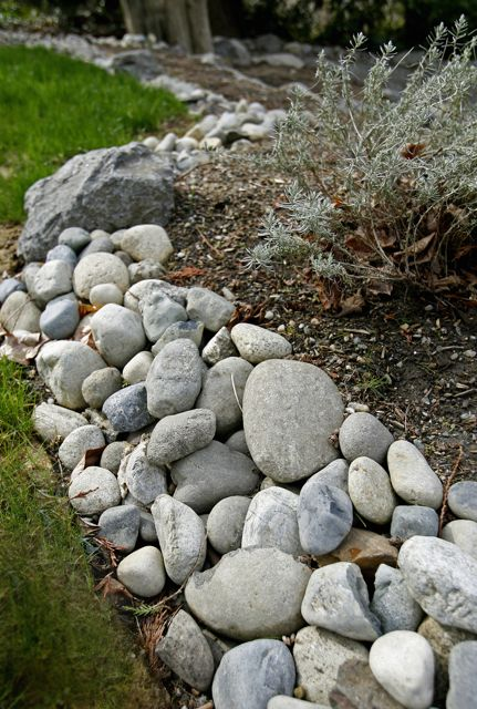 Seattle paver patios paver walkways brick patios ecoyards for Large river stones for landscaping