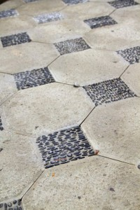 Black river rock inlay pavers